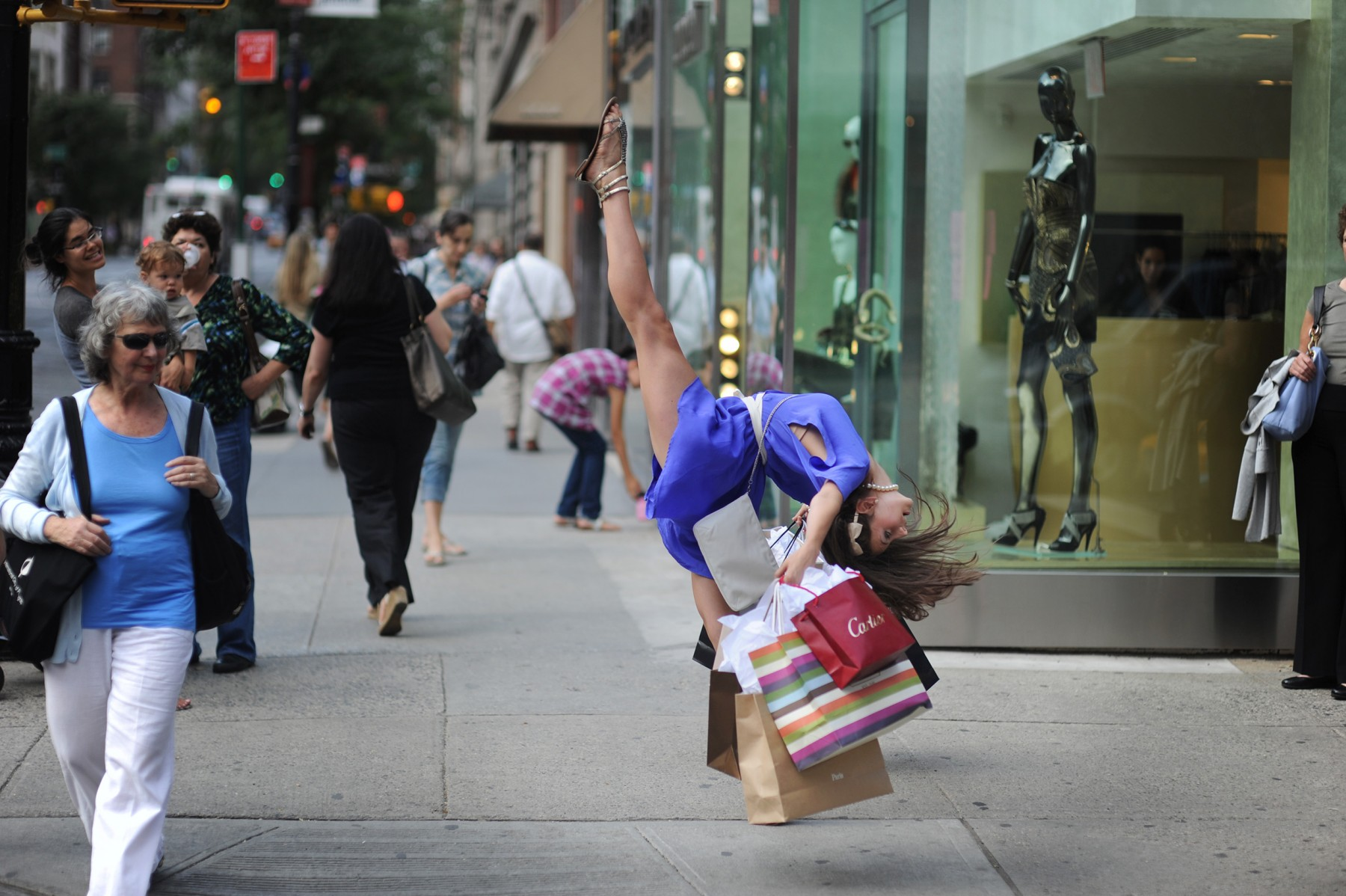 People having sex on the street