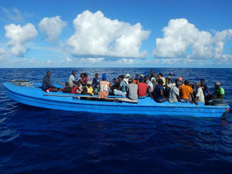 Patera con migrantes procedentes de Haití. Foto: Guardia Costera de EEUU / CC BY-NC-ND 2.0