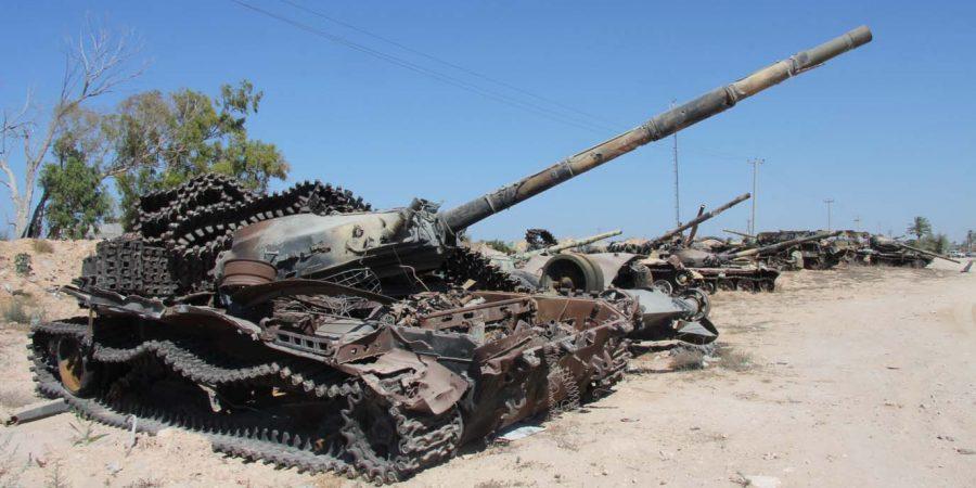 Tanques a las afueras de Misrata. Foto: Joe Pyrek / CC BY SA 3.0