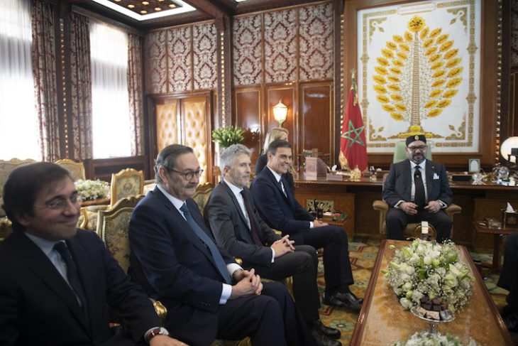 El presidente Pedro Sánchez, junto al ministro del Interior, Fernando Grande-Marlaska, durante un encuentro con Mohamed VI (Noviembre de 2018). Foto: Moncloa / Borja Puig de la Bellacasa.