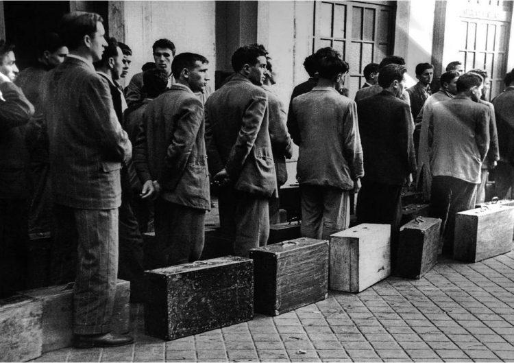 Emigrantes españoles. Foto: Manuel Iglesias / EFE.