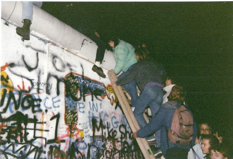 Caída del muro de Berlín. Foto: Gavin Stewart / CC BY 2.0
