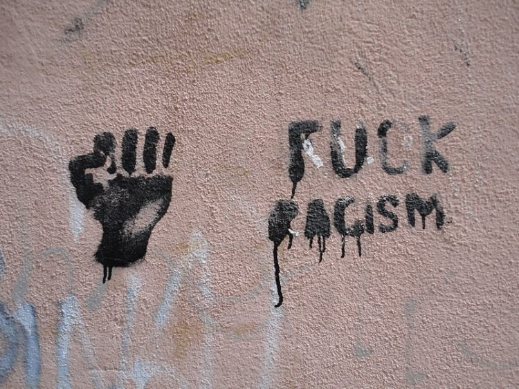 """Fuck Racism"", Paul Sableman / CC BY 2.0"