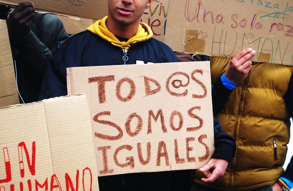 """""""Todos somos iguales"""". Manifestación en el centro de menores de Hortaleza"""