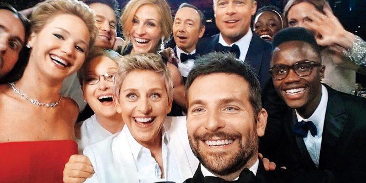 Selfie tomado por Bradley Cooper en los Oscars (2018).