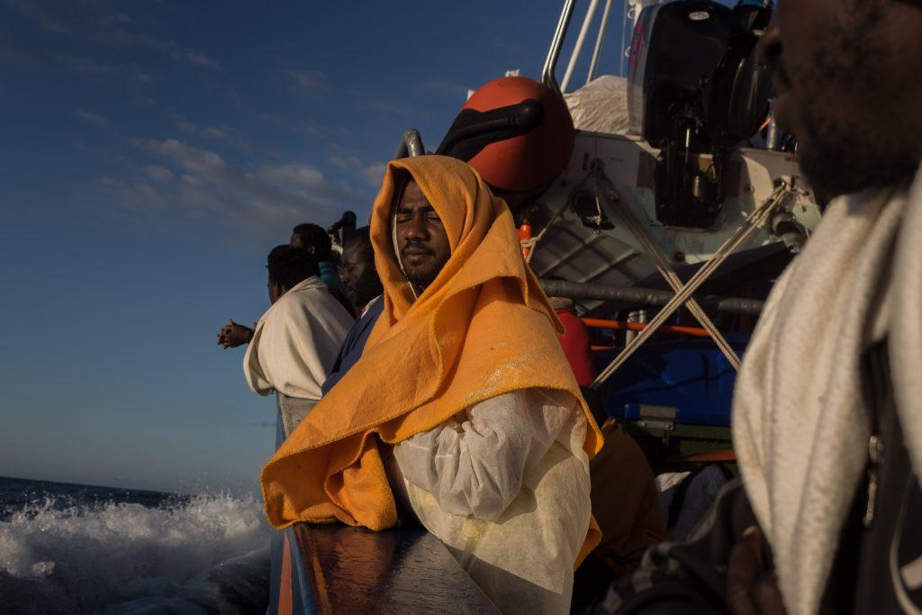 A bordo del Aita Mari la mañana del desembarco de los 79 rescatados en Italia / Marta Maroto