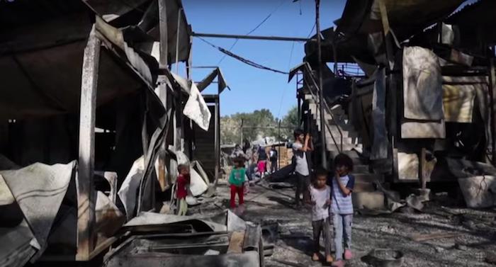 Campamento de refugiados de Moria tras el último incendio. Foto: RICH CHANNEL (YouTube).