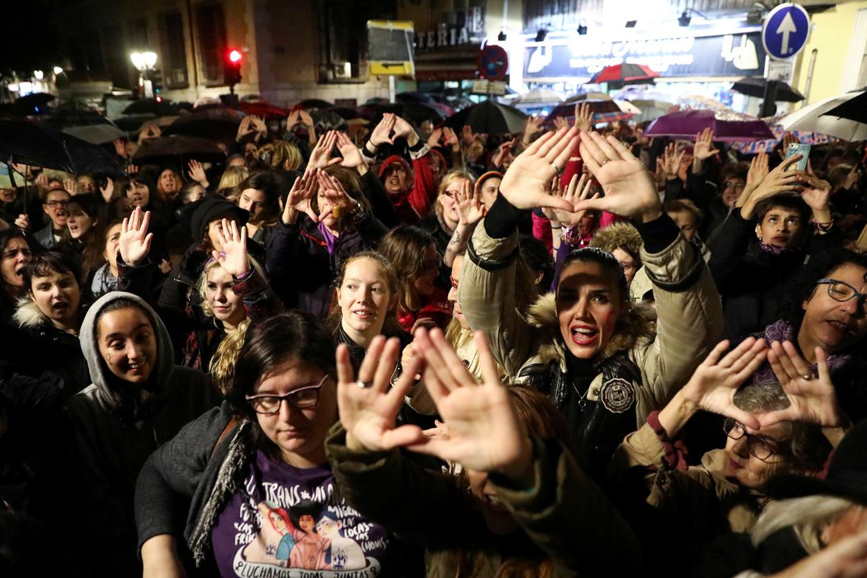 Manifestación feminista frente al Ministerio de Justicia, en Madrid, el pasado noviembre. REUTERS