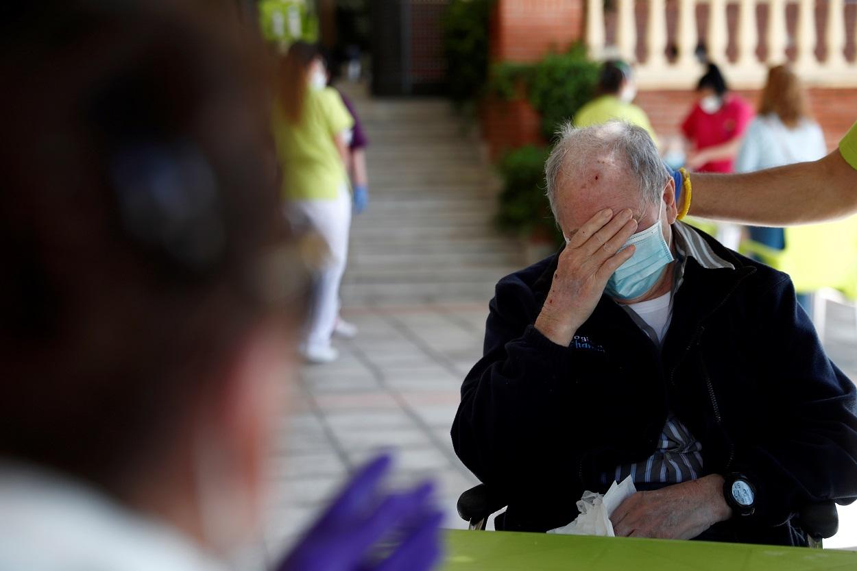 Un anciano residente en un geriátrico de la Comunidad de Madrid. REUTERS/Susana Vera