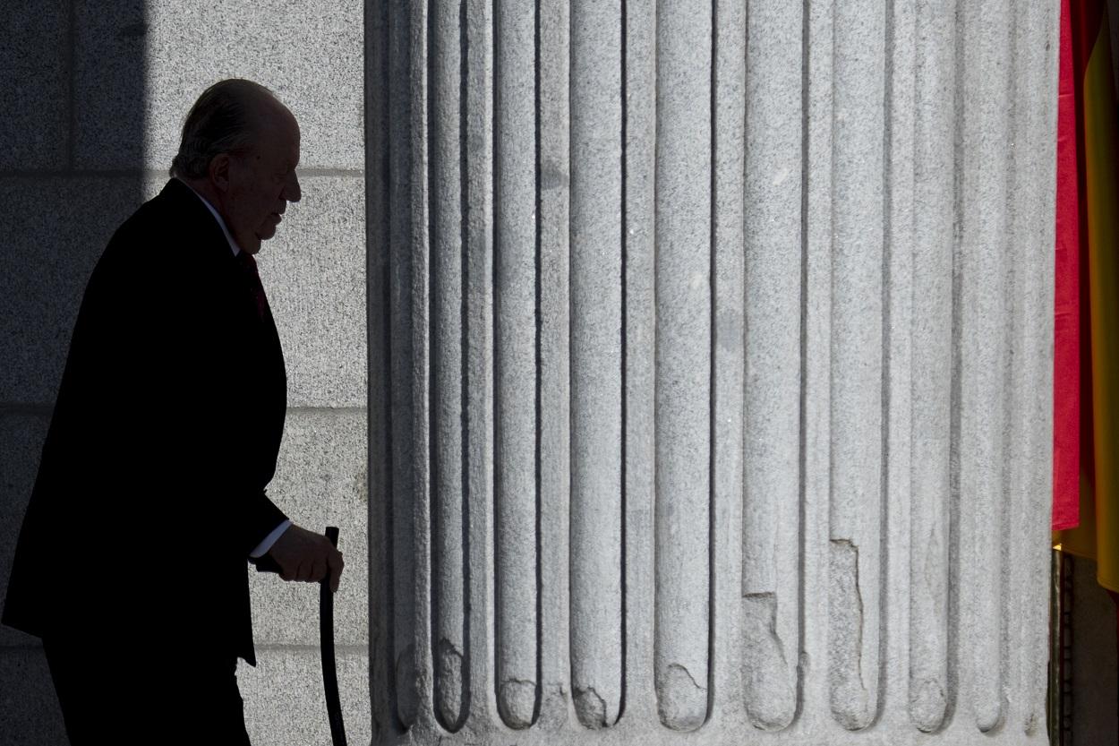 El rey Juan Carlos a su llegada al Congreso de los Diputados, para los actos del 40ª aniversario de la Constitución de 1978.AFP/CURTO DE LA TORRE