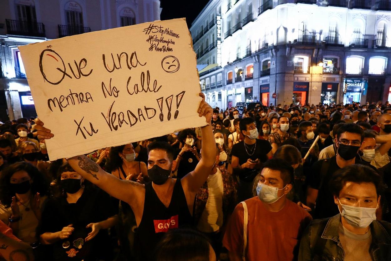 Imagen de la concentración en la Puerta del Sol de Madrid contra las agresiones homófobas. REUTERS/Sergio Perez