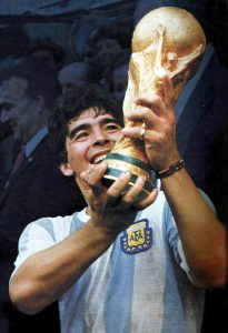 Maradona, D10s en pantalones cortos