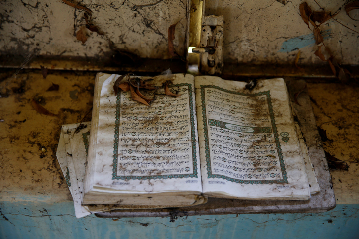 Un ejemplar del Corán en una mezquita abandonada en la ciudad de Malakal, en Sudan. REUTERS/Baz Ratner