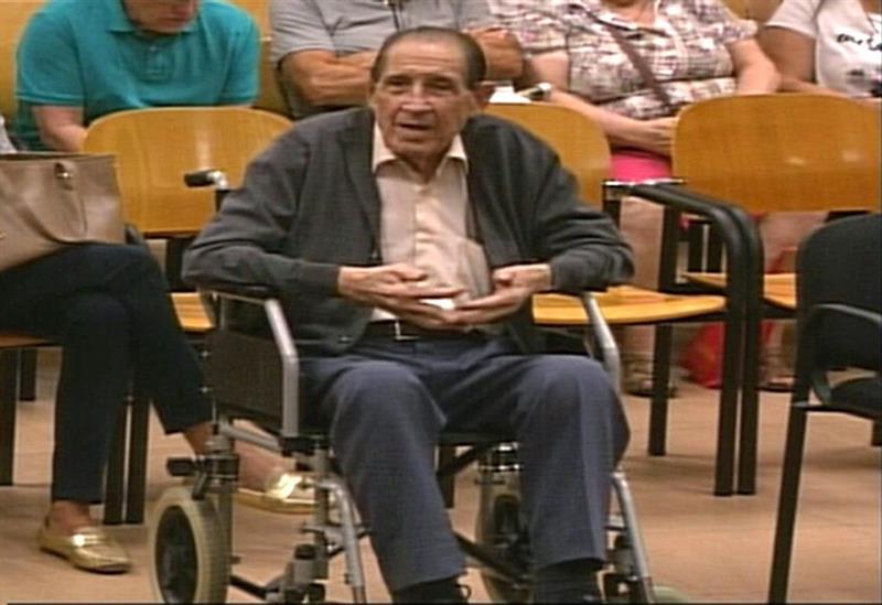 El doctor Eduardo Vela, en una sesión del juicio sobre robo de bebés en la Audiencia Provincial de Madrid. EFE