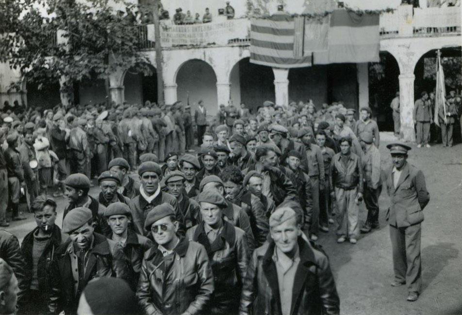 La despedida de las Brigadas Internacionales en l'Espluga de Francolí (Tarragona). GENERALITAT/HENRY BUCKLEY