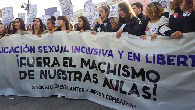 """Manifestación de estudiantes en Madrid contra el """"machismo en las aulas"""". E.P."""