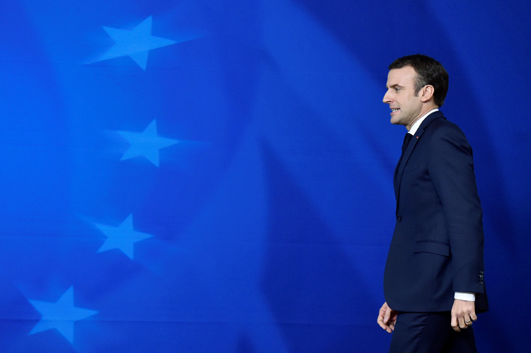 El presidente francés Emmanuel Macron, a su llegada a la rueda de prensa posterior a la última cumbre de la UE en Bruselas. REUTERS/Eric Vidal