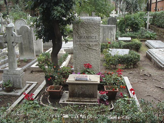 Tumba de Antonio Gramsci, en Roma. EFE/Cristina Cabrejas