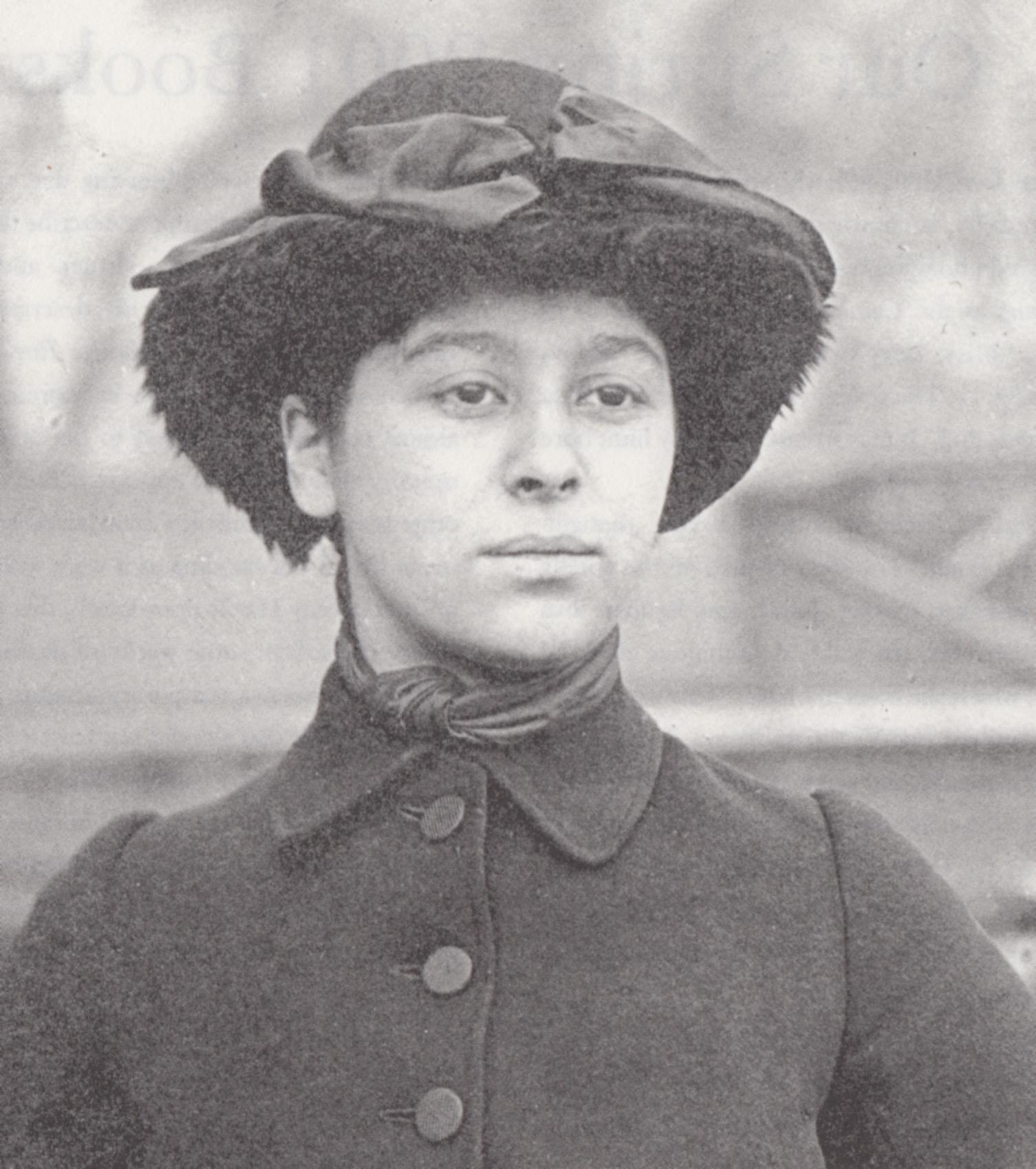 La escritora Amy Levy.