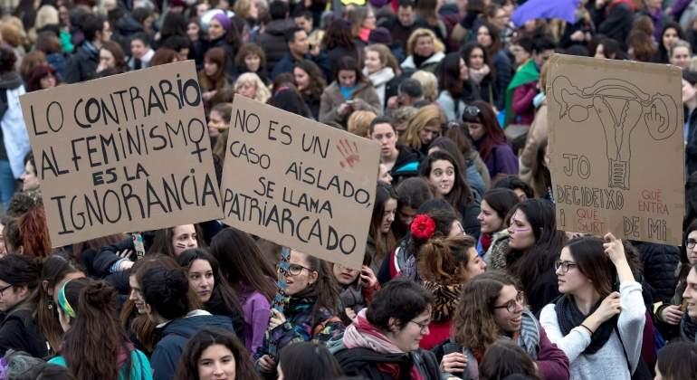 Pancartas reivindicativas de la huelga feminista. EFE