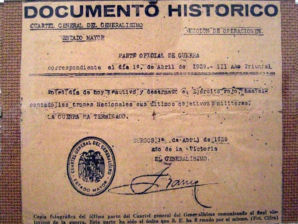 Reproducción facsímil del último parte oficial de guerra firmado por Francisco Franco. WKIPEDIA