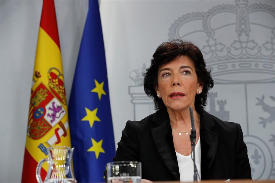 La portavoz del Gobierno en funciones, Isabel Celáa, durante la rueda de prensa posterior a la reunión del Consejo de Ministros. EFE/Zipi