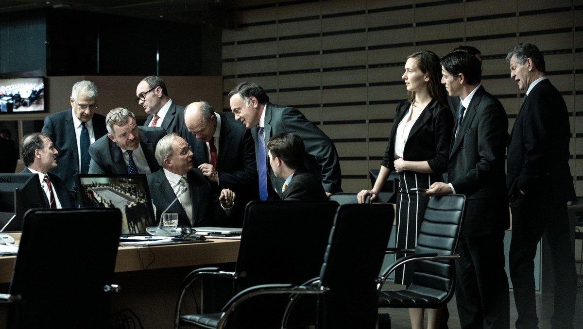 Imagen de la película 'Comportarse como adultos', de Costa-Gavras.
