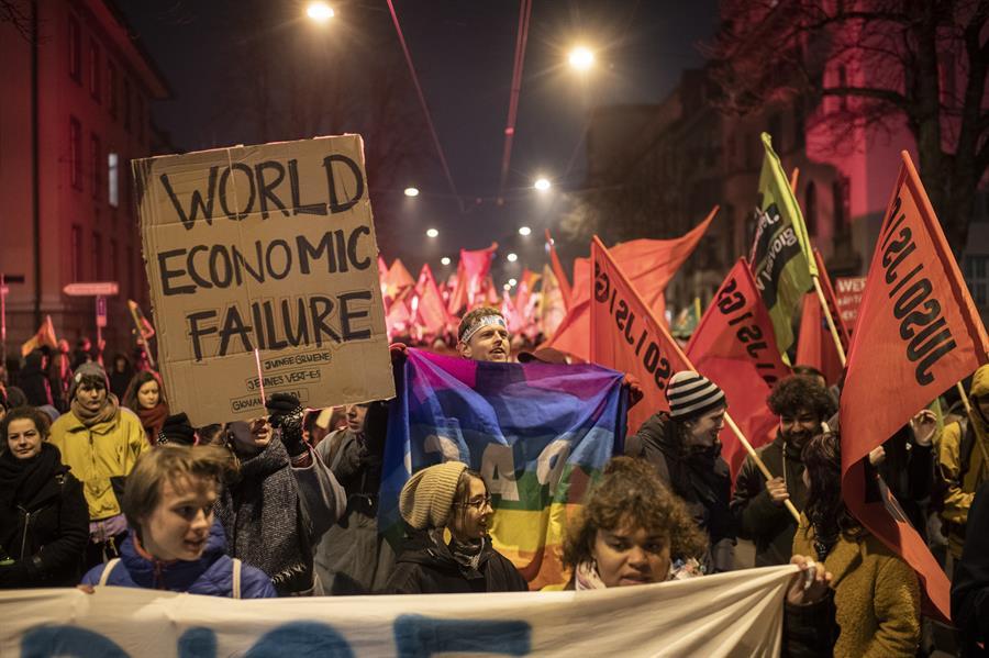 Manifestación en Zurich contra la Cumbre de Davos. EFE/EPA/ENNIO LEANZA