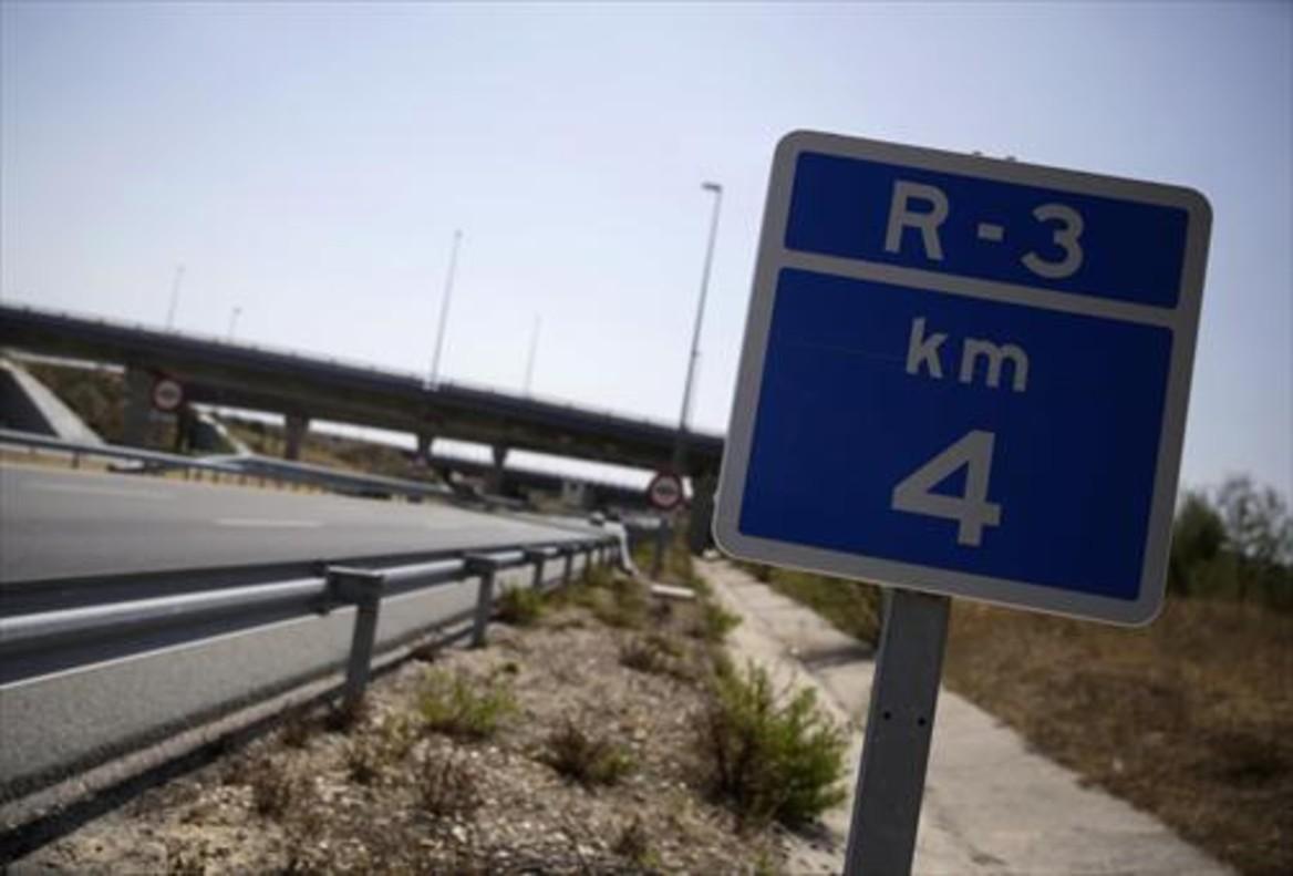 Imagen de la autopista radial R-3, una de las vías rescatadas por el Estado, en Madrid. REUTERS