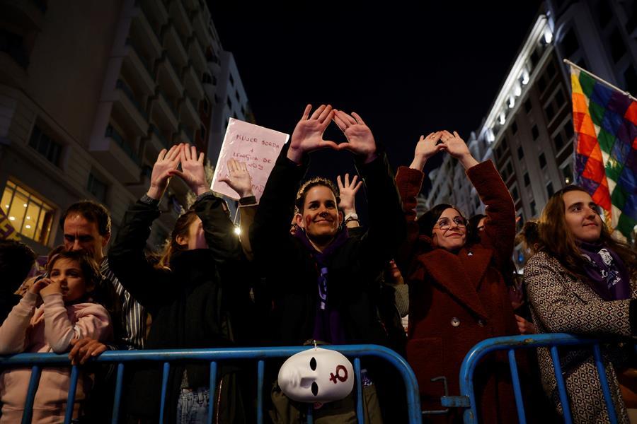 Participantes en la manifestación del 8M de Madrid. EFE/ Juan Carlos Hidalgo