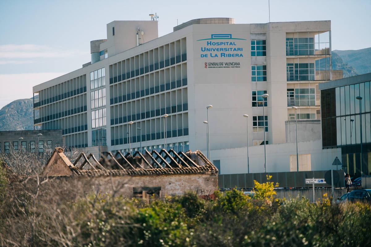 Vista del Hospital Universitari de la Ribera de Alzira (Valencia). EFE