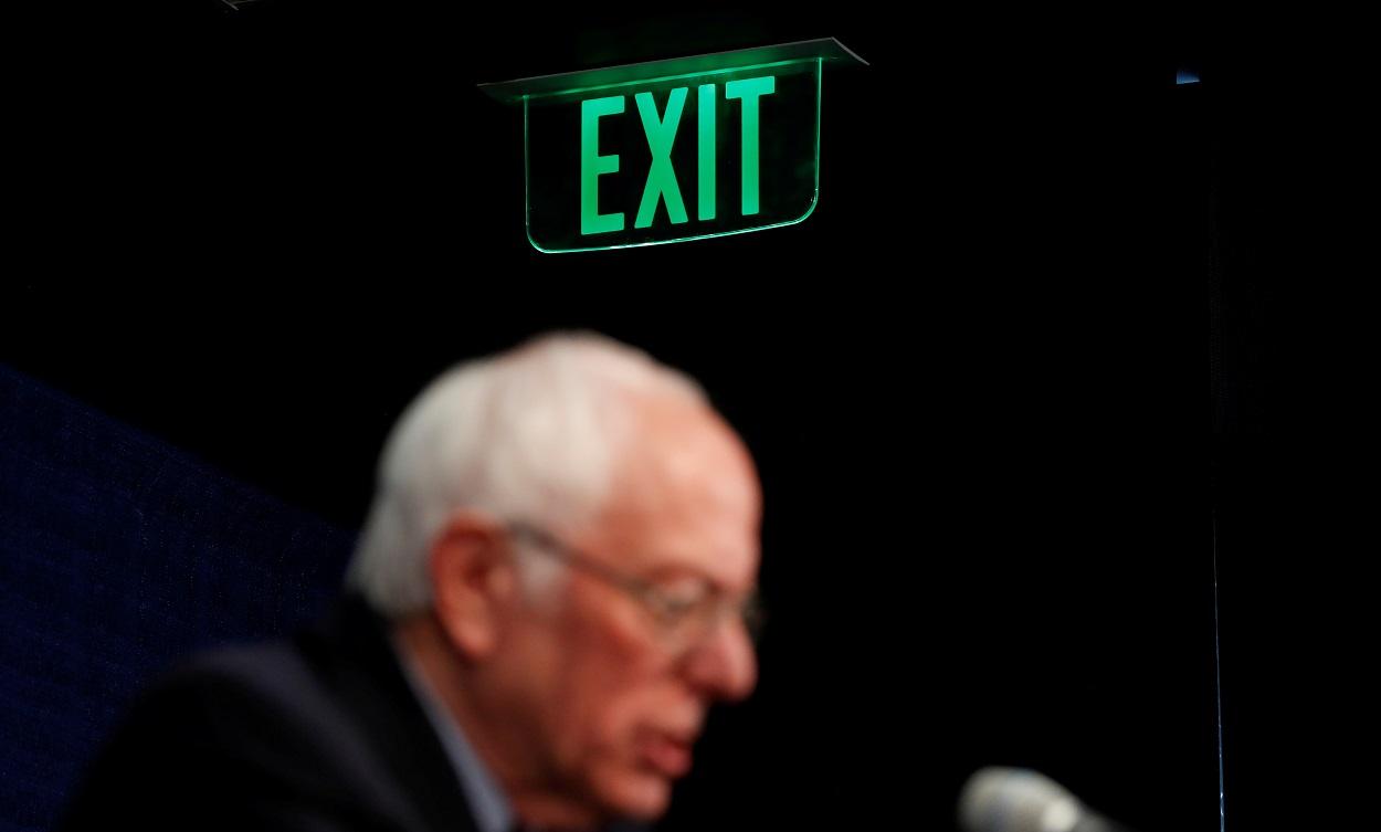 El senador demócrata Bernie Sanders, el día que anunció que continuaría su campaña por la nominación como candidato hasta el debate con Joe Biden (previsto para el 15 de marzo), en una rueda de prensa en Burlington (Vermont, EEUU). REUTERS/Lucas Jackson
