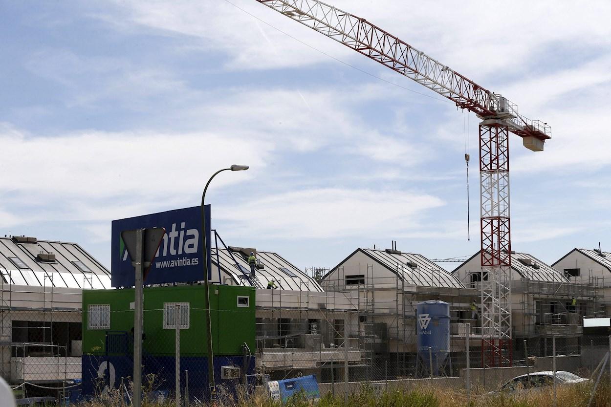 Viviendas en construcción en Valdebebas (Madrid). EFE/Fernando Alvarado