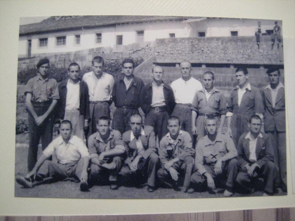 El grupo de militantes de CNT, en el Dueso.