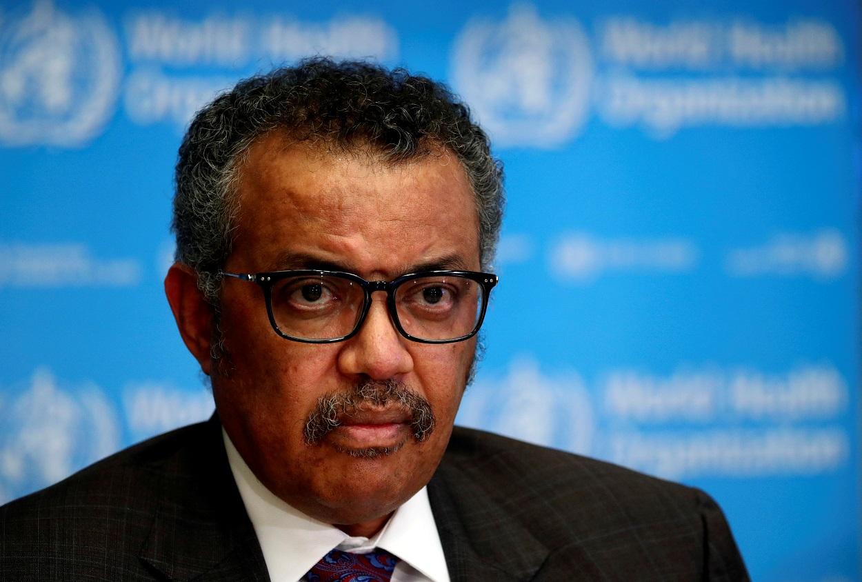El director general de la Organización Mundial de la Salud (OMS, ó WHO en sus siglas en inglés), Tedros Adhanom Ghebreyesus, en una rueda de prensa en la sede del organismo, en Ginebra (Suiza). REUTERS/Denis Balibouse