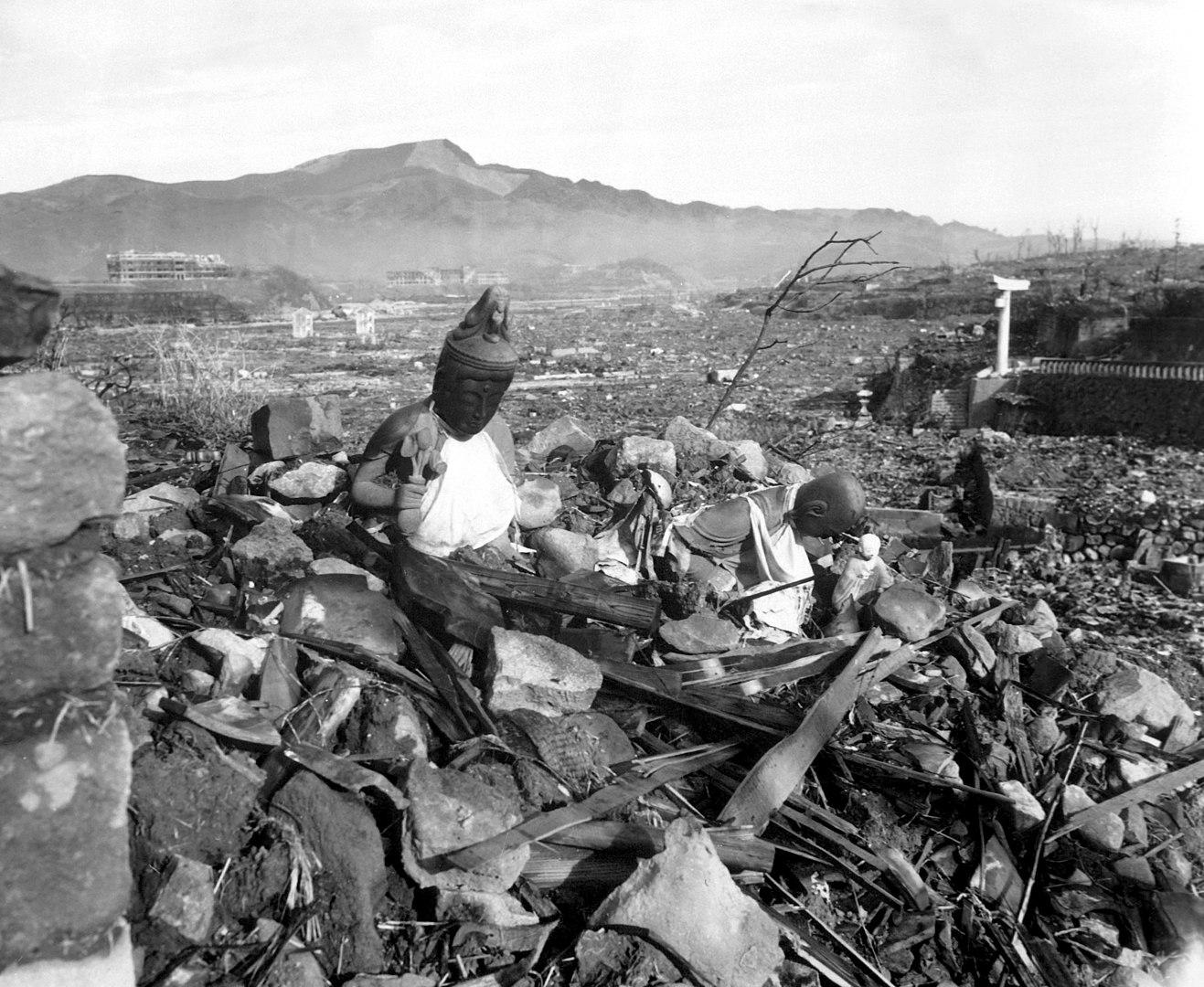 Nagasaki, 6 semanas después del ataque con bomba atómica de EEUU.