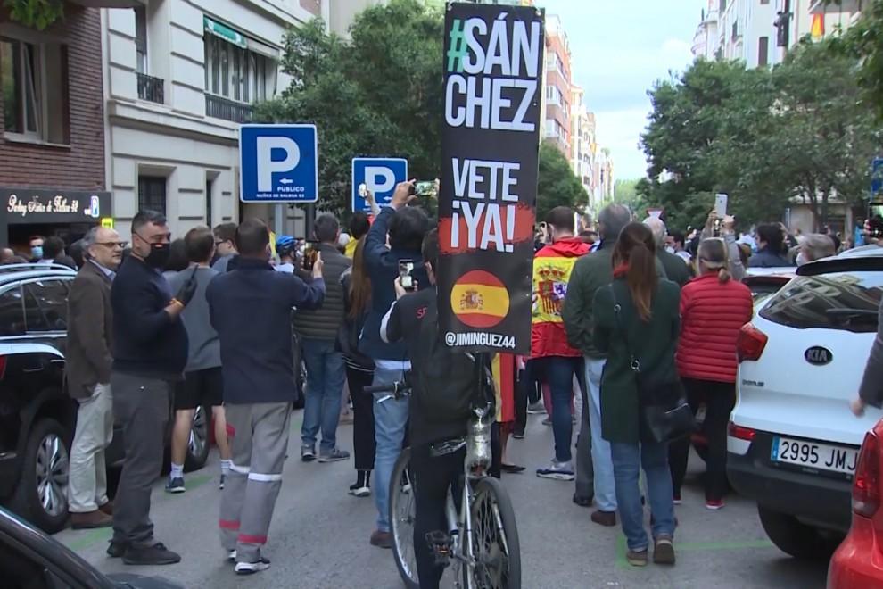 Manifestación en el madrileño barrio de Salamanca contra la gestión de la pandemia del Gobierno de Pedro Sánchez.