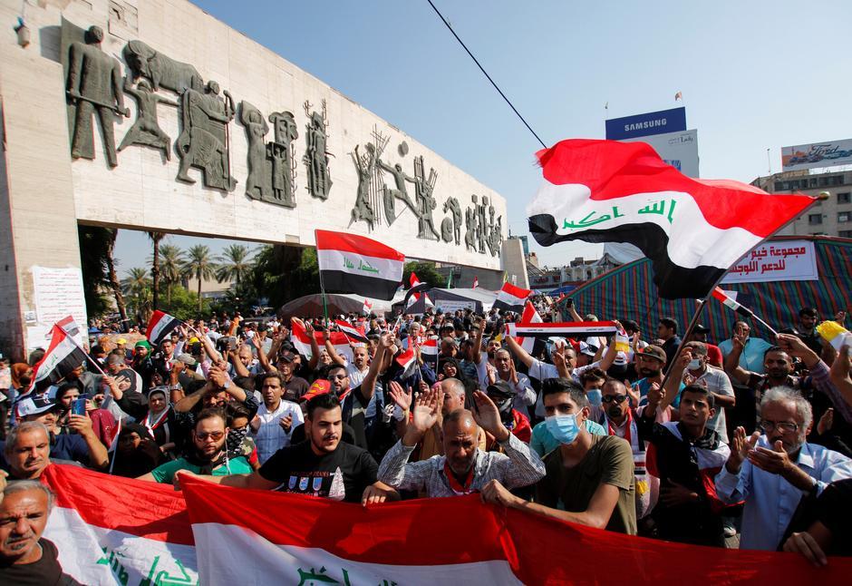 Imagen de una manifestación en la plaza Tahrir en Bagdad. REUTERS