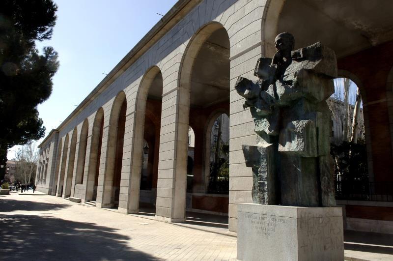 Estatua de Francisco Largo Caballero en el Paseo de la Castellana de Madrid, junto a los Nuevos Ministerios. EFE