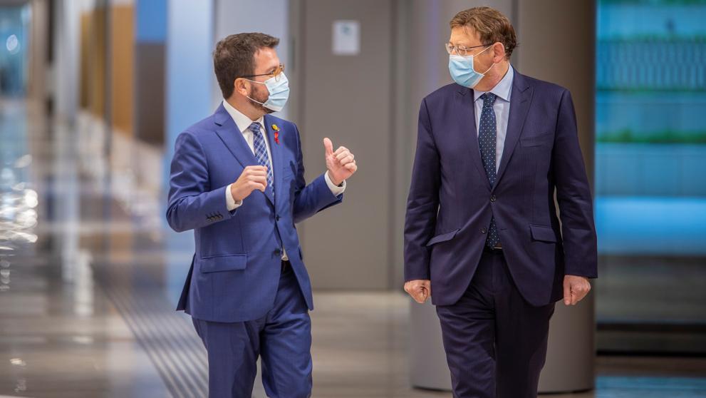 Los presidentes catalán y valenciano, Pere Aragonès y Ximo Puig, el miércoles en Barcelona. EFE