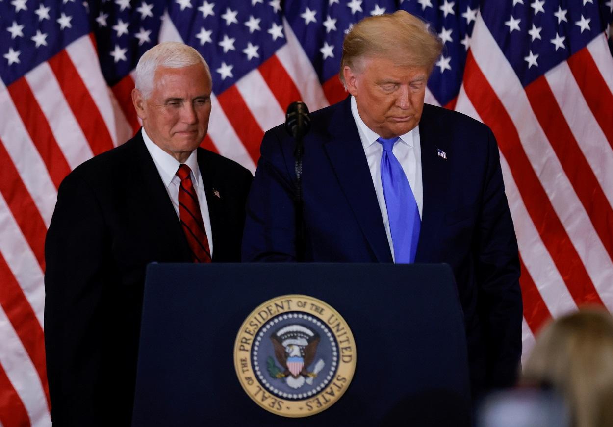 El presidente de EEUU, Donald Trump, y el vicepresidente, Mike Pence, en una foto del pasado noviembre, en las primeras valoraciones de los resultados de las elecciones presidencial, en el Salón Este de la Casa Blanca, en Washington. REUTERS / Carlos Barria