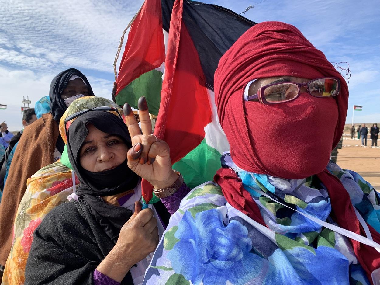 Mujeres saharauis en el XV Congreso del Frente Polisario, en Tifariti, diciembre de 2019. FOTO: Javier Martín