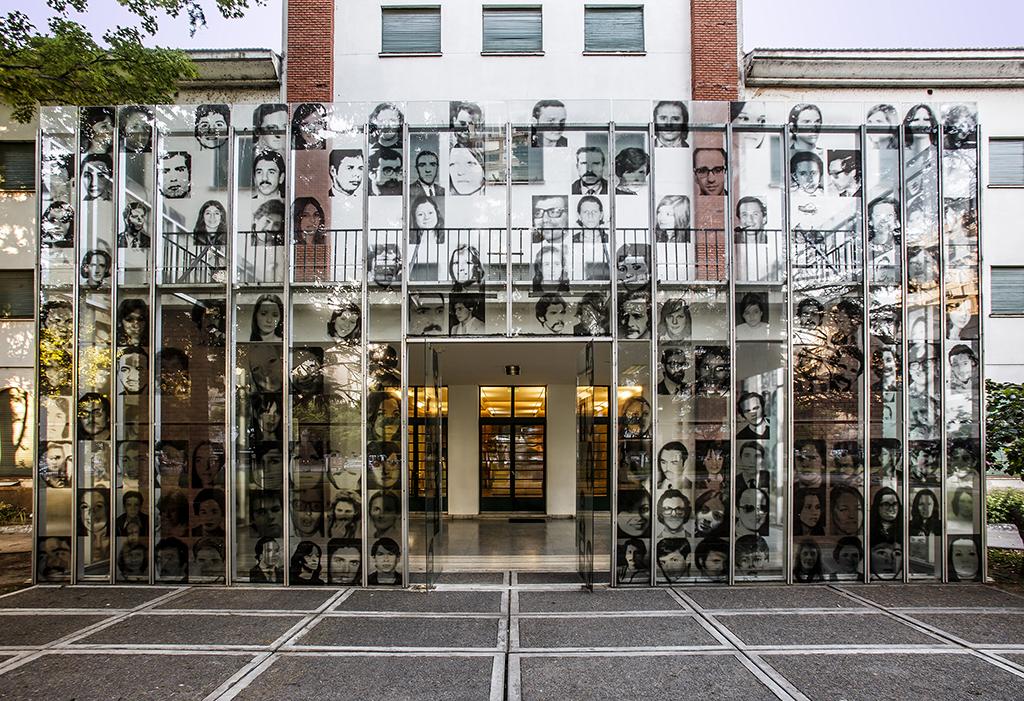 Entrada al Museo Sitio de Memoria ESMA, en Buenos Aires