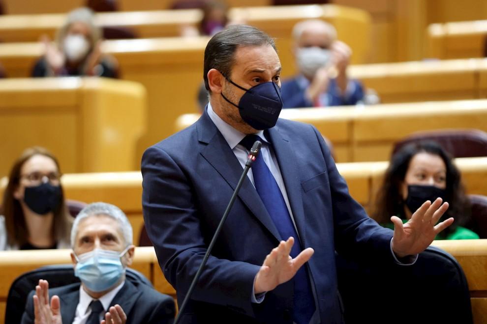 El ministro de Transportes José Luis Ábalos, en la sesión de control al Gobierno en el Senado el 16 de marzo.-. — Mariscal / EFE