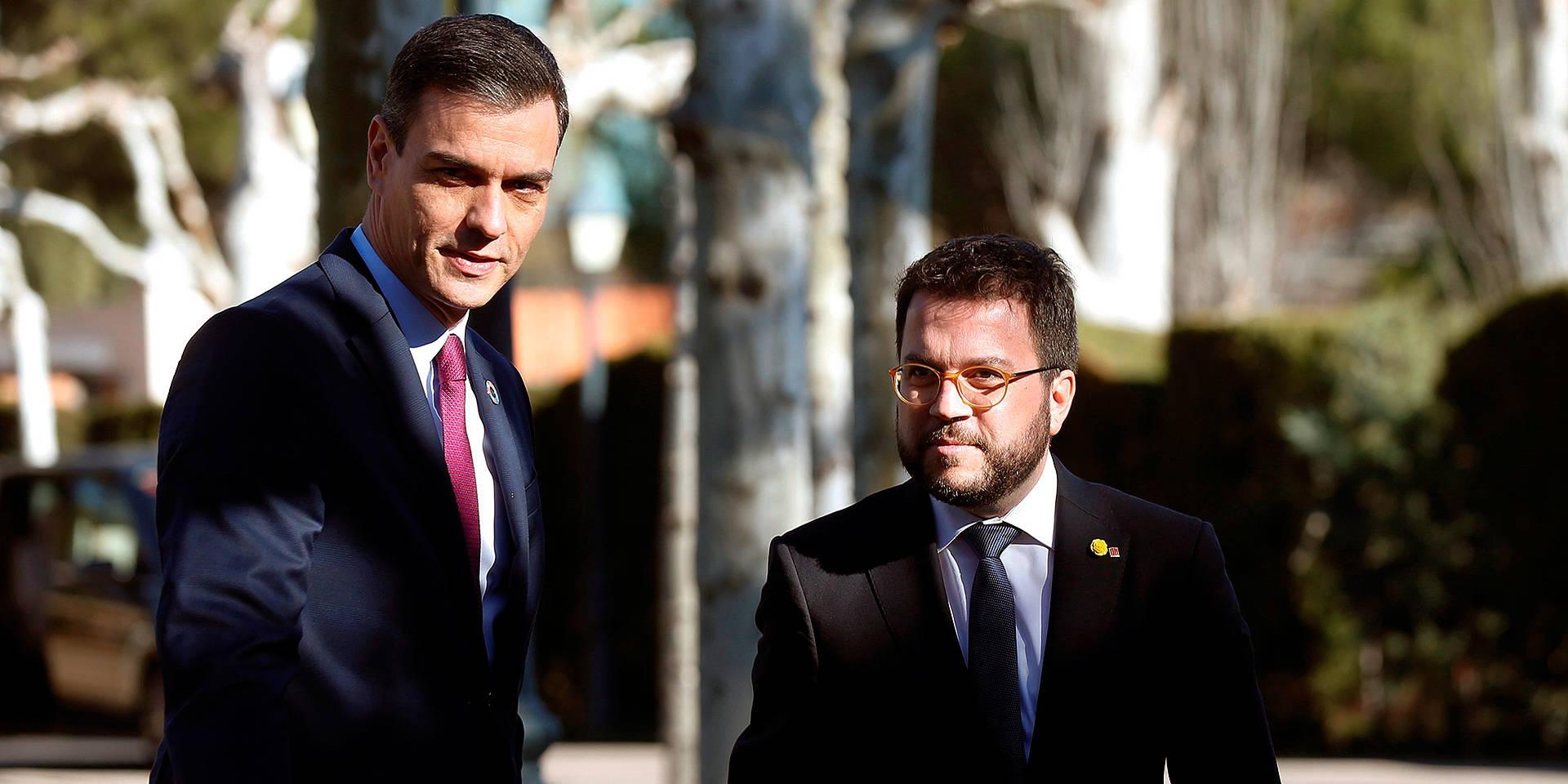 Pedro Sánchez (i) y Pere Aragonès, antes de la reunión Gobierno - Generalitat en Moncloa, en noviembre de 2020.   EFE
