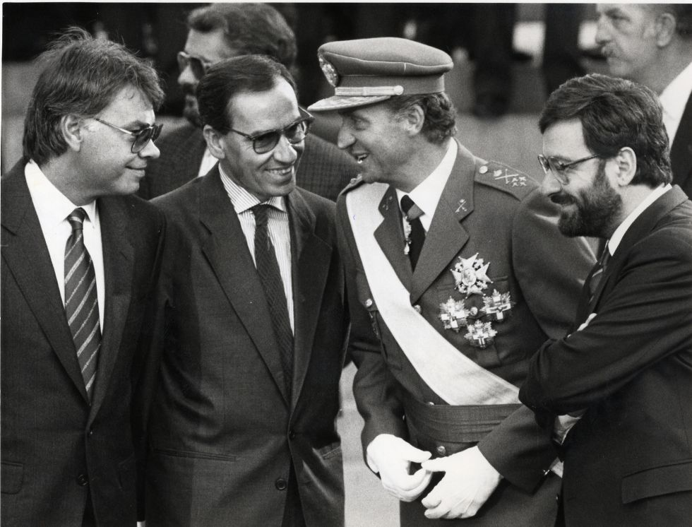 González Guerra Juan Carlos I Serra 1988 ARCHIVO EFE