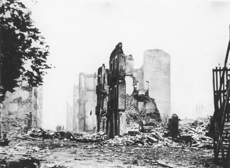 Guernika tras el bombardeo. WIKIPEDIA