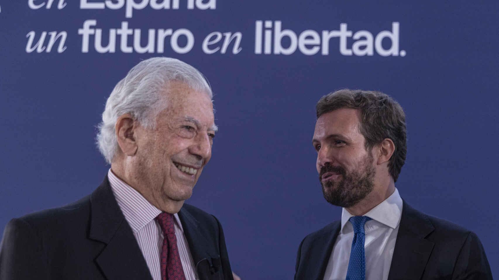 Vargas Llosa y Casado en la Convención PP Sept21 EP
