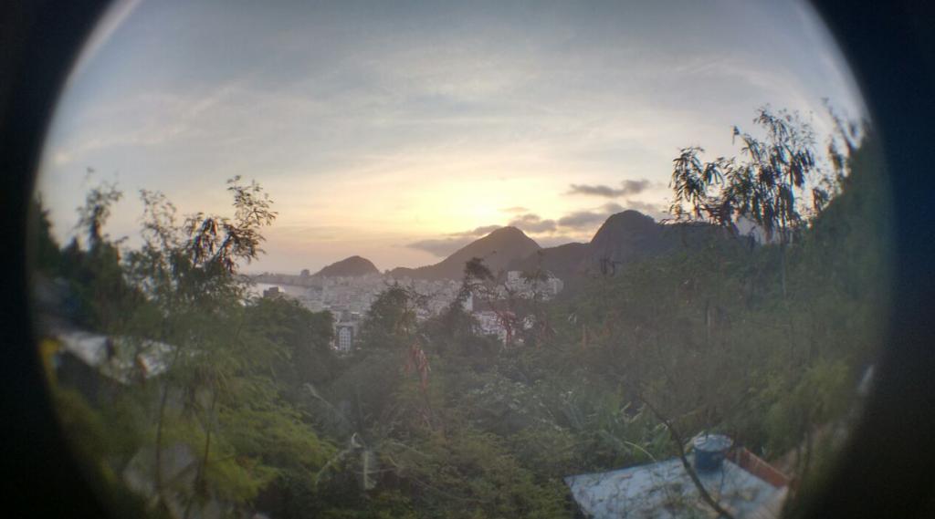 Vitor Grilo. Las vistas del horizonte desde el Morro de Babilonia.