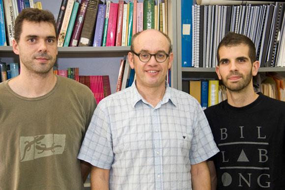 Los españoles que crearon el primer agujero de gusano conocido